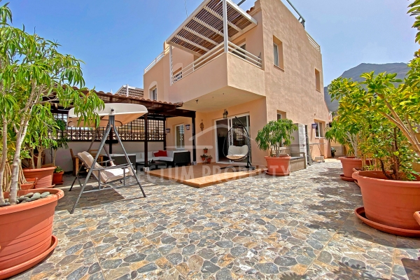TOWNHOUSE IN MADROÑAL